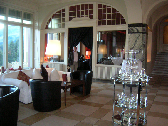 The lounge of the Schatzalp.